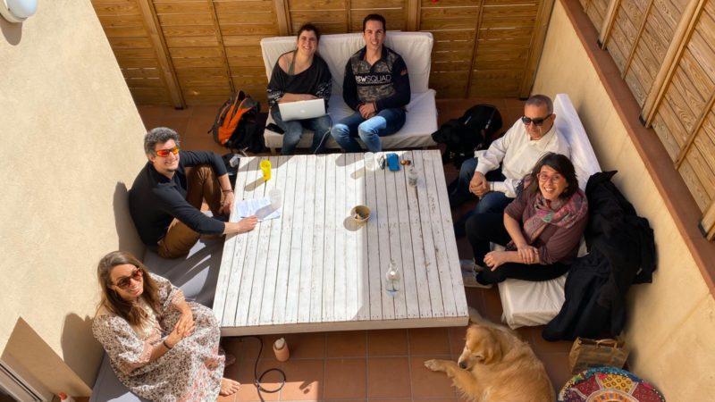 Reunio de l'equip de PdV a la terrassa